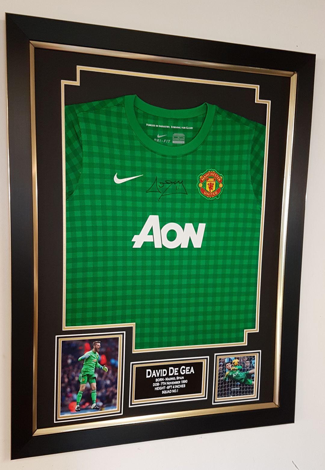 official photos d258d 263b3 David De Gea Signed Manchester United Shirt Framed